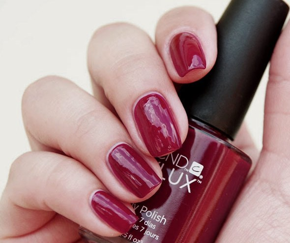 cnd-vinylux-decadence-scr02_enl_1