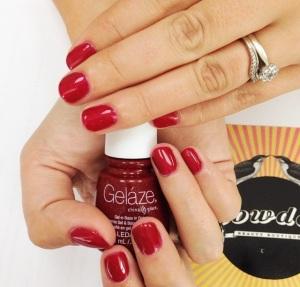 Glittery seasonal manicure